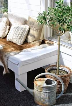 Sheepskins-for-summer-hide-bench-liner